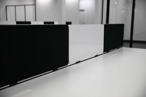 Z1 desk workstation screen